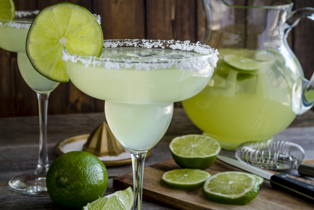 traditional margarita with lime